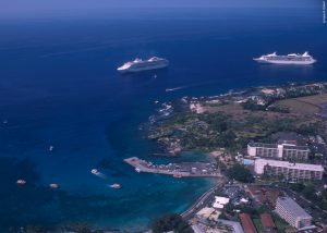 Kailua Kona. Ships visiting and